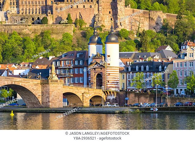 Germany, Baden-Württemberg, Heidelberg. Alte Brucke (old bridge) and buildings in the Altstadt old town on the Neckar River