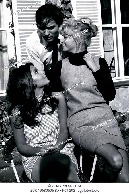 May 05, 1968 - An Interesting Trio present itself to the photographer here. Tina Sinatra (left), famous daughter of a famous father, Michael Pfleghar