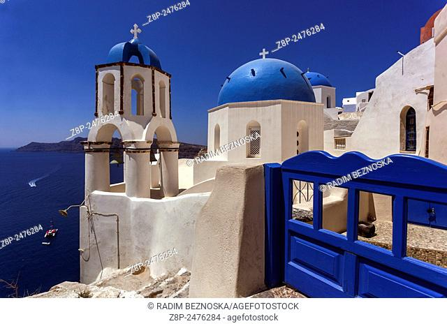 Greek Orthodox Church in Oia village, Santorini, Cyclades Islandes, Greece, Europe