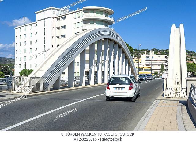 Arch bridge over the river Le Préconil, Sainte-Maxime, Var, Provence-Alpes-Cote d`Azur, France, Europe
