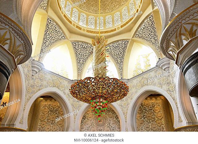 Prayer hall of Sheikh Zayed Grand Mosque, Abu Dhabi, United Arab Emirates