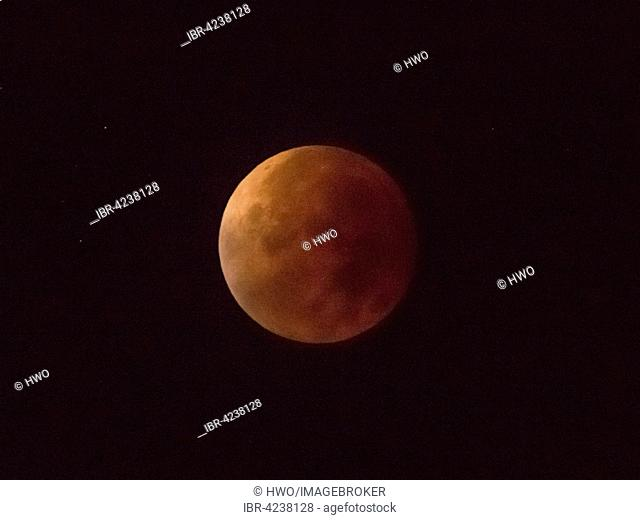 Total lunar eclipse, full moon, 28/09/2015, 04:22:44, Oberhof, Thuringia, Germany