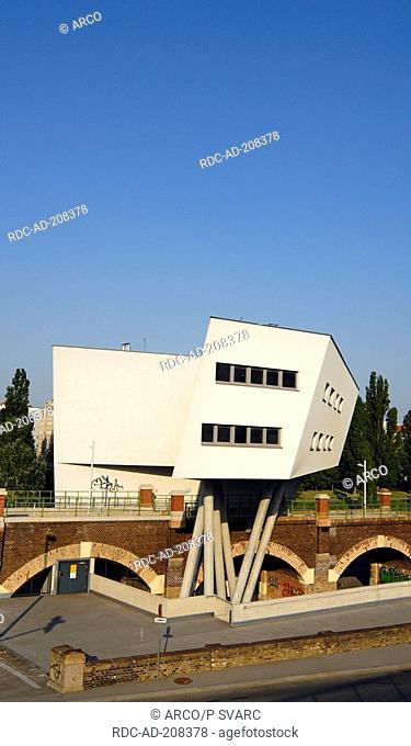House by architect Zaha Hadid, Spittelauer Lande, Vienna, Austria, Wien, Spittelauer Lände