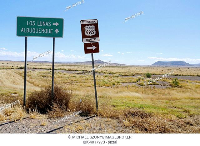 Turnoff to the Historic Route 66, Los Lunas to Albuquerque, New Mexico, United States