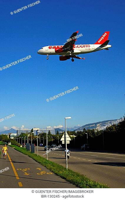 Descending EasyJet Airline Airbus A319-111, Geneva, Switzerland