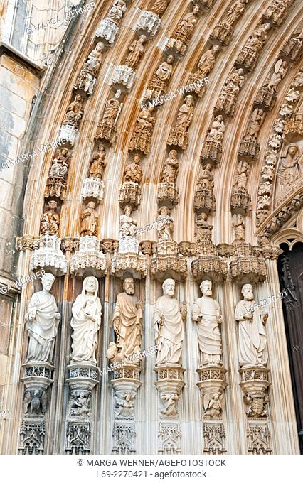Porch at the west facade with 6 sculptures of the twelve apostles, gothic monastery of Santa Maria de Vitoria, aka Batalha monastery (14th - 16th century)