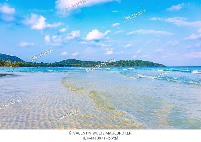 Idyllic sandy beach, turquoise water, 4km Beach, Kaoh Touch Village, Koh Rong, Sihanoukville, Krong Preah Sihanouk, Cambodia