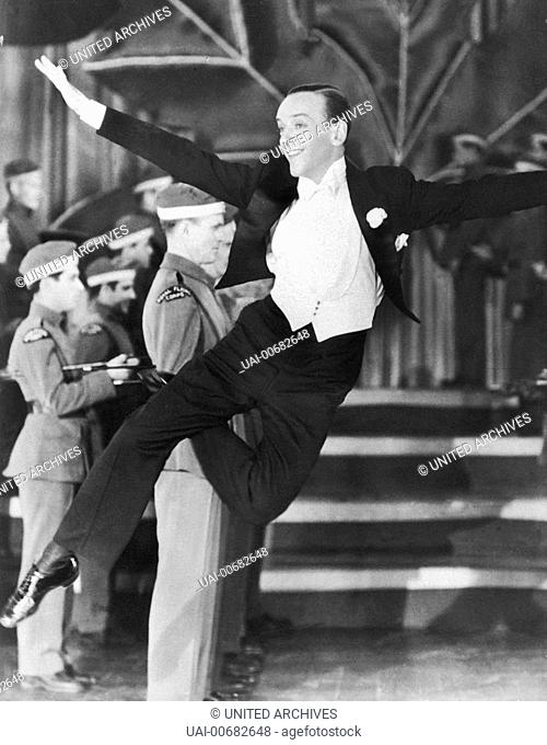 FRED ASTAIRE as dancing Vernon Regie: H. C. Potter / THE STORY OF VERNON AND IRENE CASTLE USA 1939