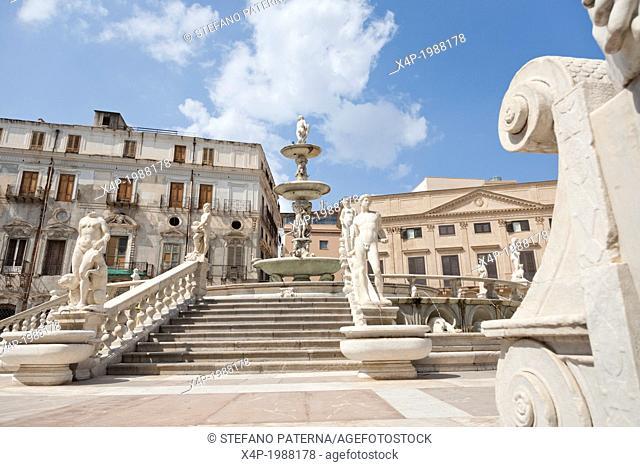 Piazza Pretoria, Fountain Pretoria, Fontana della Vergogna, the fountain of shame, Palermo, Sicily, Italy