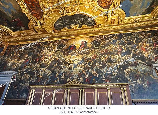 """Jacopo Tintoretto's """"""""Gloria del Paradiso"""""""". Sala del Maggior Consiglio. Palazzo Ducale. San Marco Square, Venice, Veneto, Italy, Europe"""