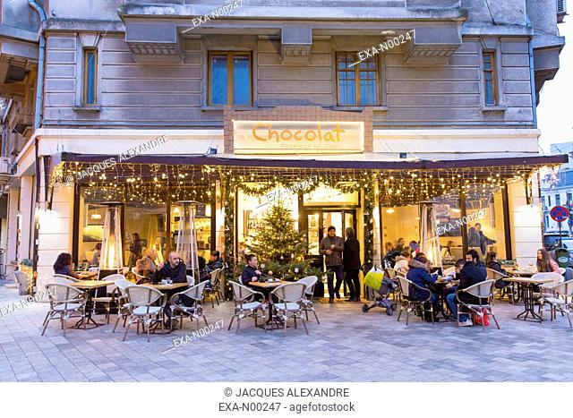 Coffee Shop Chocolat at night with Christmas decorations, Bucharest, Romania, Europe