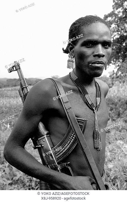 ethiopia, omo valley, tsamay tribe