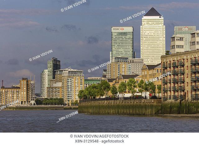 Canary wharf, Thames riverbank, London, England, UK