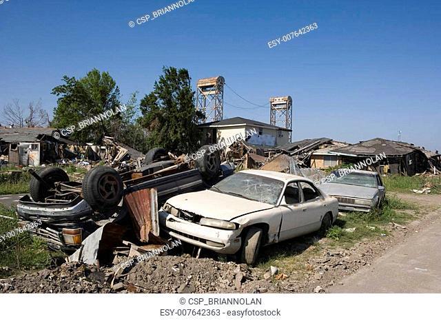 Ninth Ward pile of cars 4366