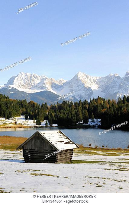 Geroldsee lake, Wagenbruechsee lake, Karwendelgebirge mountains, Werdenfelser Land district, Upper Bavaria, Bavaria, Germany, Europe