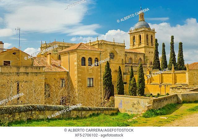 City Walls, Cathedral of Santa María, Ciudad Rodrigo Cathedral, 12th-14th century, Romanesque Style, Ciudad Rodrigo, Medieval Town