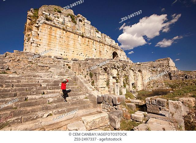 Tourist at the ancient ruins of Miletus, Milet, Aydin Province, Turkey, Europe