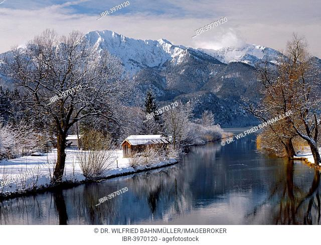Winter on Lake Kochel in front of Herzogstand and Heimgarten, Upper Bavaria, Bavaria, Germany