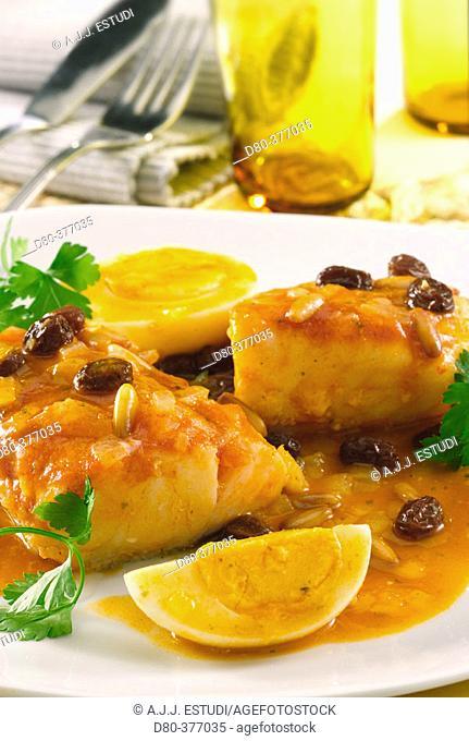Codfish with raisins and hard-boiled eggs