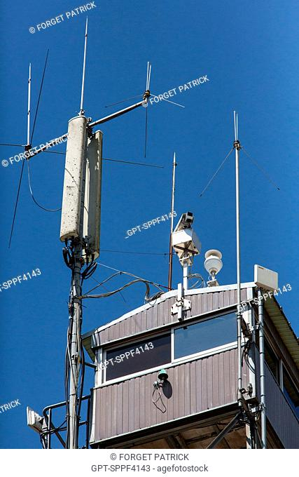 THE TELEPHONE RELAY ANTENNA AND CAMERAS IN LOOK-OUT POSTS USED IN THE AUTOMATIC FOREST FIRE DETECTION SYSTEM, EMERGENCY SERVICES OF HOUEILLES