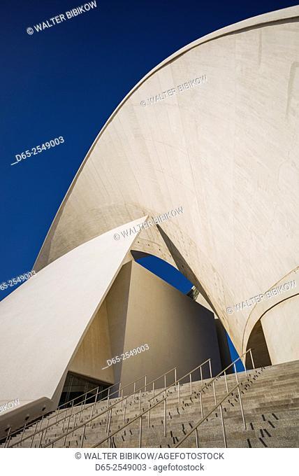 Spain, Canary Islands, Tenerife, Santa Cruz de Tenerife, Auditorio de Tenerife Adan Martin designed by Santiago Calatrava, exterior