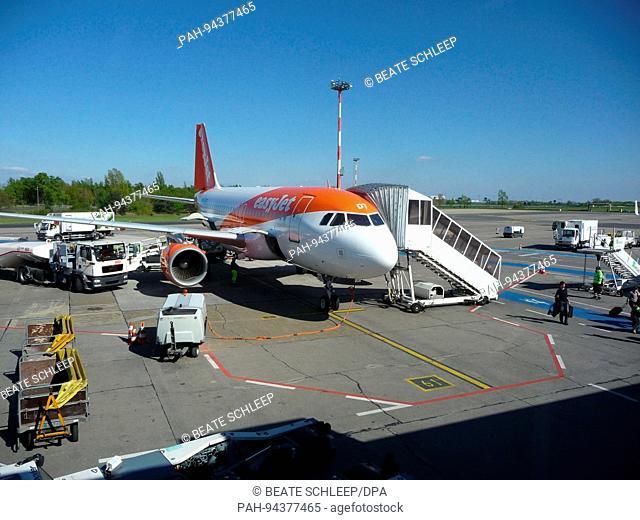 Easyjet plane at Berlin-Schonefeld Airport, pictured 30 April 2017. Photo: Beate Schleep | usage worldwide. - Schoenefeld/Brandenburg/Germany