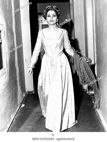 Austrian soprano Ute de Vargas walking through the dressing rooms. Munich, May 1968