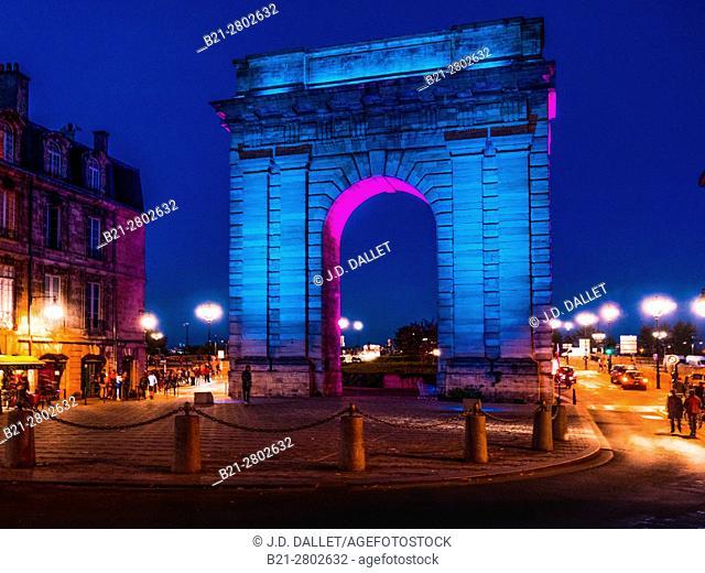 """France, Nouvelle Aquitaine-Gironde- """"""""Porte de Bourgogne"""""""" gate (1751-1755) at Bordeaux"""