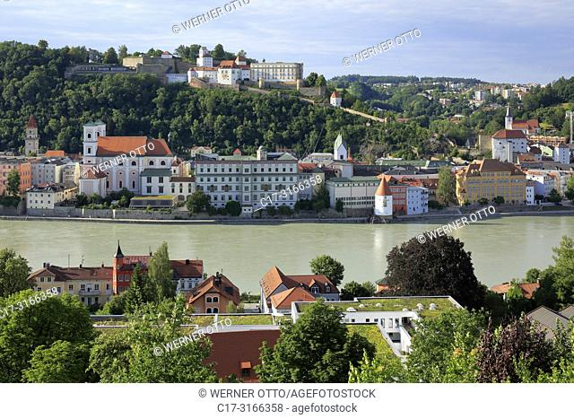 Passau, D-Passau, Danube, Inn, Ilz, panoramic view with Danube and old town, f. l. t. r. town hall, Jesuits church St. Michael with Leopoldinum high school