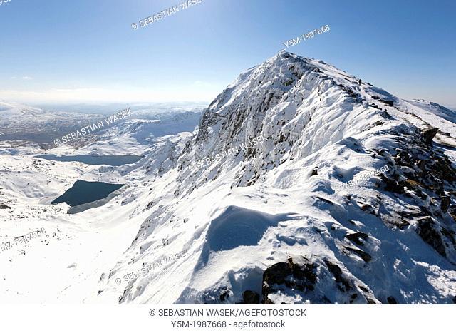 View towards Snowdon (Yr Wyddfa), Snowdonia National Park, Wales, UK, Europe