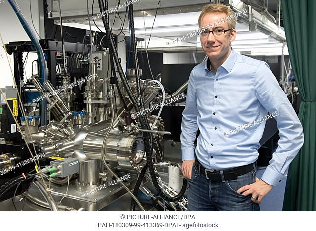 FILED - 21 December 2017, Germany, Goettingen: Claus Ropers, physics professor at the University of Goettingen, standing in the laboratory for ultrafast...