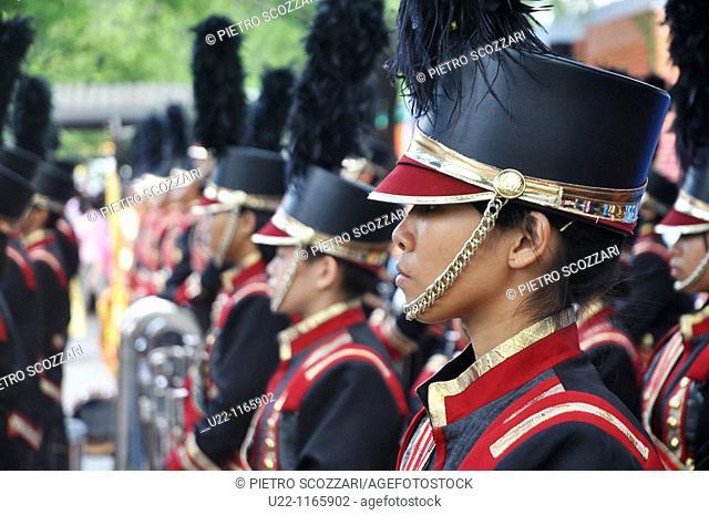 Bangkok (Thailand): musical band at the king Bhumibol Adulyadej birthday's public commemoration (December 5th)