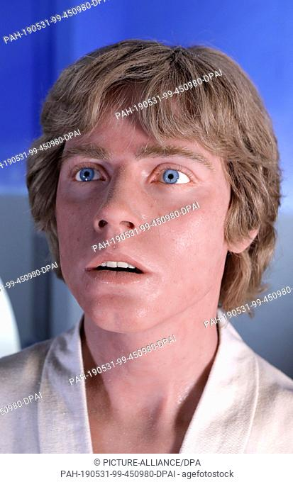 "27 May 2019, Mecklenburg-Western Pomerania, Dassow: The main hero of the """"Star Wars"""" films, Luke Skywalker, is a silicone replica in the collection of the..."