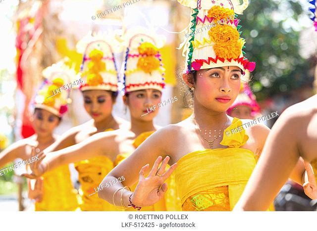 Traditional dancers, Odalan temple festival, Sidemen, Karangasem, Bali, Indonesia