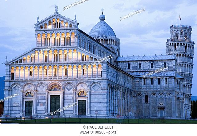 Italy, Tuscany, Pisa, Piazza dei Miracoli, Square of Miracles, Cathedral and Leaning Tower