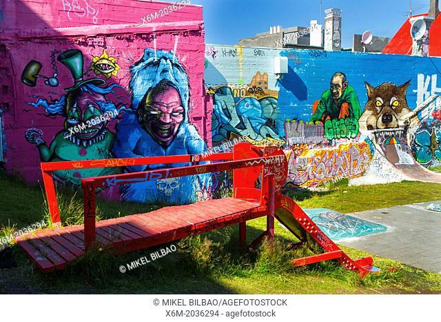 Grafitties in Hjartatorg o Hjartagardourinn (Heart Square). Reykjavik. Iceland, Europe