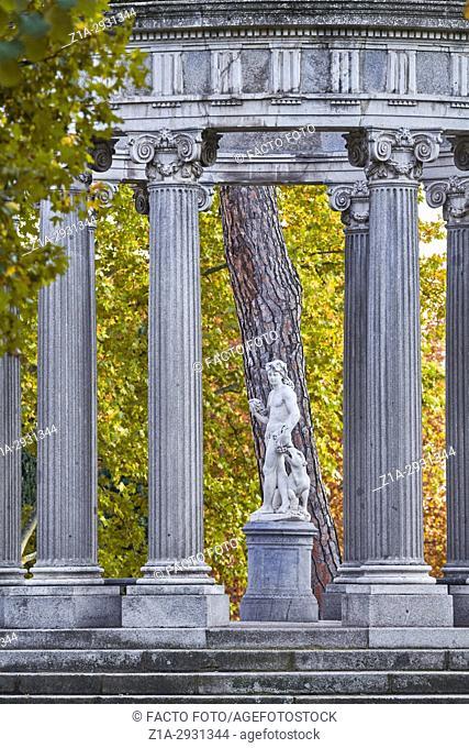 Autumn at the Capricho Park (The Folly). Madrid. Spain