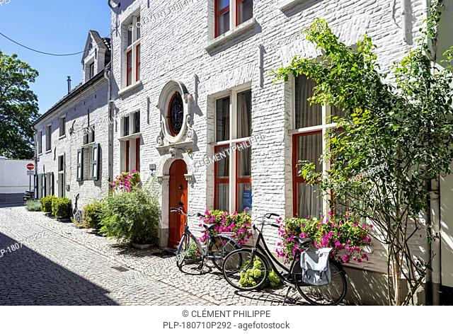 Traditional 17th century beguine's house in the Large Beguinage / Groot Begijnhof in the city Mechelen / Malines, Antwerp, Flanders, Belgium