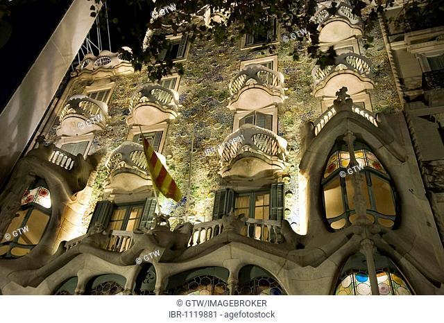 Casa Batlló, Unesco World Heritage Site, façade at night, Antonio Gaudi architect, Eixample District, Barcelona, Catalonia, Spain