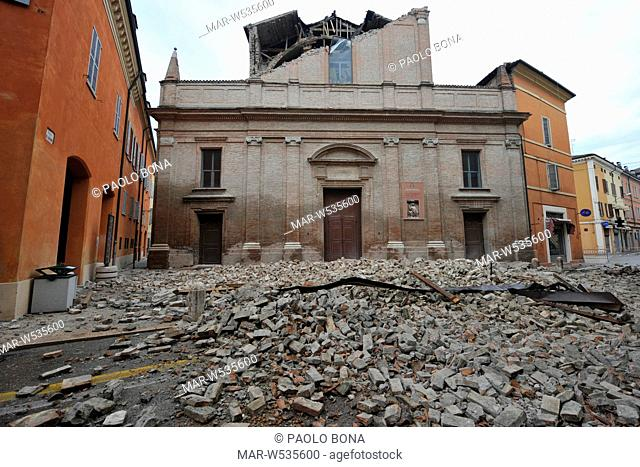 terremoto in emilia, duomo crollato a finale emilia, maggio 2012