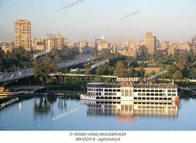 Bridge over the Nile, cruise ship on the Nile, Cairo, Egypt, North Africa, Africa