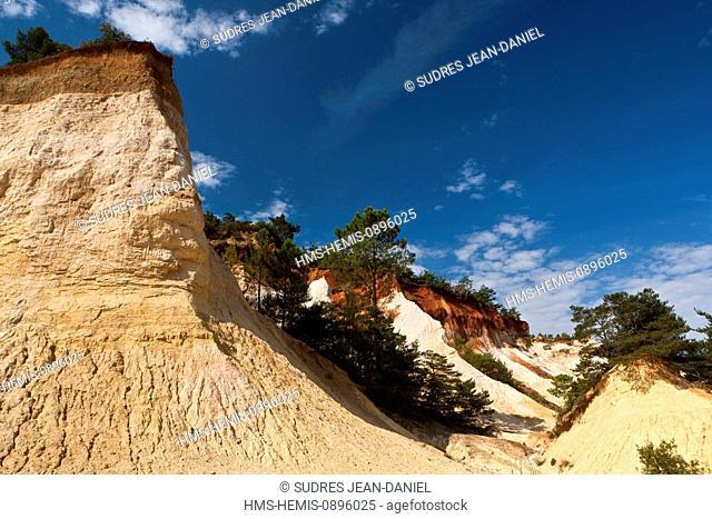 France, Vaucluse, Luberon, Rustrel, Colorado Provencal