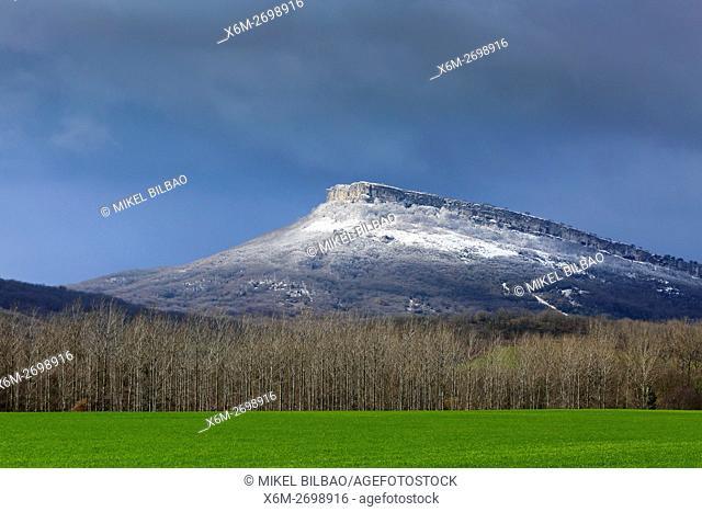 Muela mountain. Izki Natural Park. Alava, Basque Country, Spain, Europe
