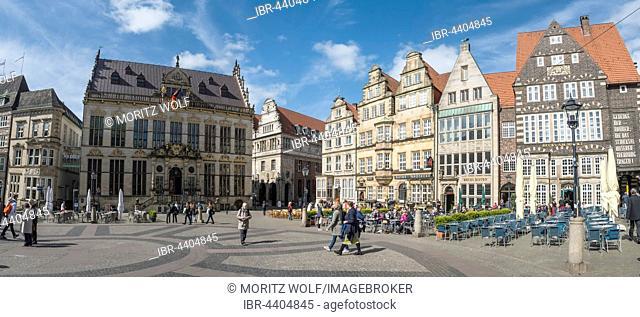 Market in historic centre, Bremen, Germany