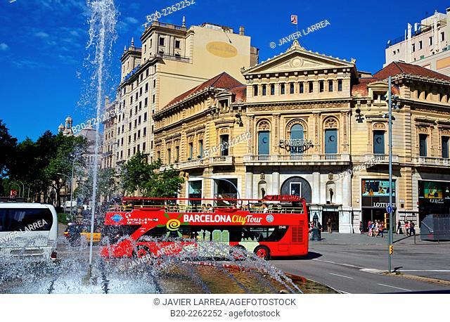 Tourist Bus. Gran Via de les Corts Catalanes. Passeig de Gracia. Barcelona. Catalonia. Spain