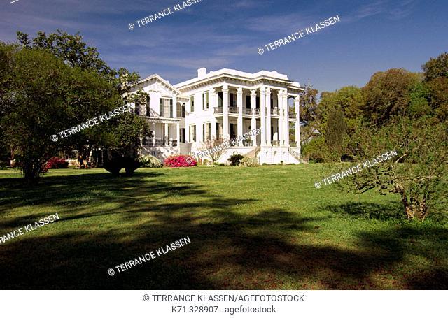 Nottoway Plantation home near Whitecastle, Louisianna, USA