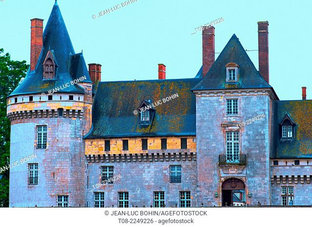 france, loiret,sully-sur-loire : middle-age castle