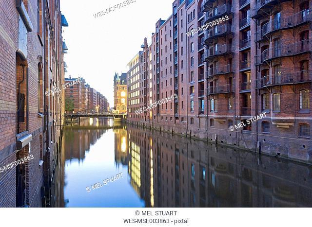 Germany, Hamburg, Warehouses at Wandrahmsfleet in Speicherstadt