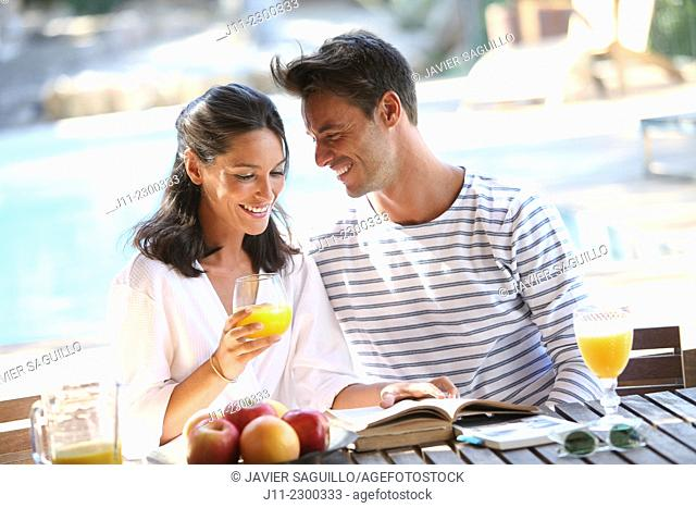 Couple, breakfast
