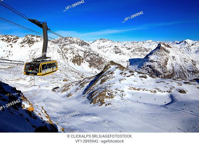 Diavolezza ropeway, Engadina , Grifon Canton, Switzerland